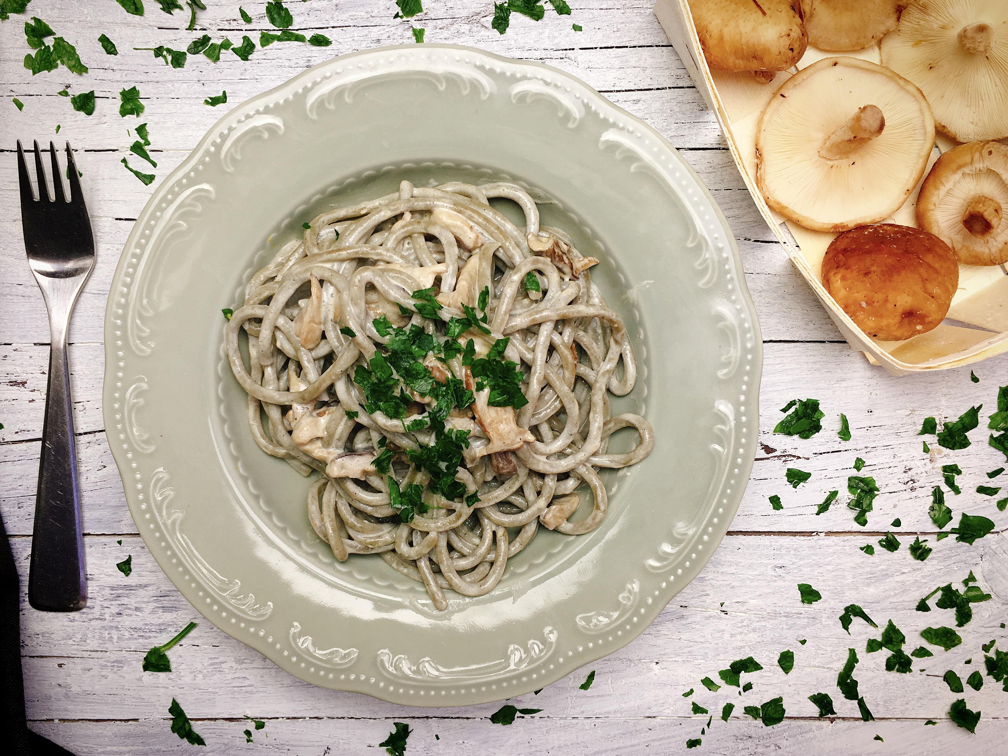 Strangozzi all 39 ortica con funghi shiitake cucinare for Cucinare ortica