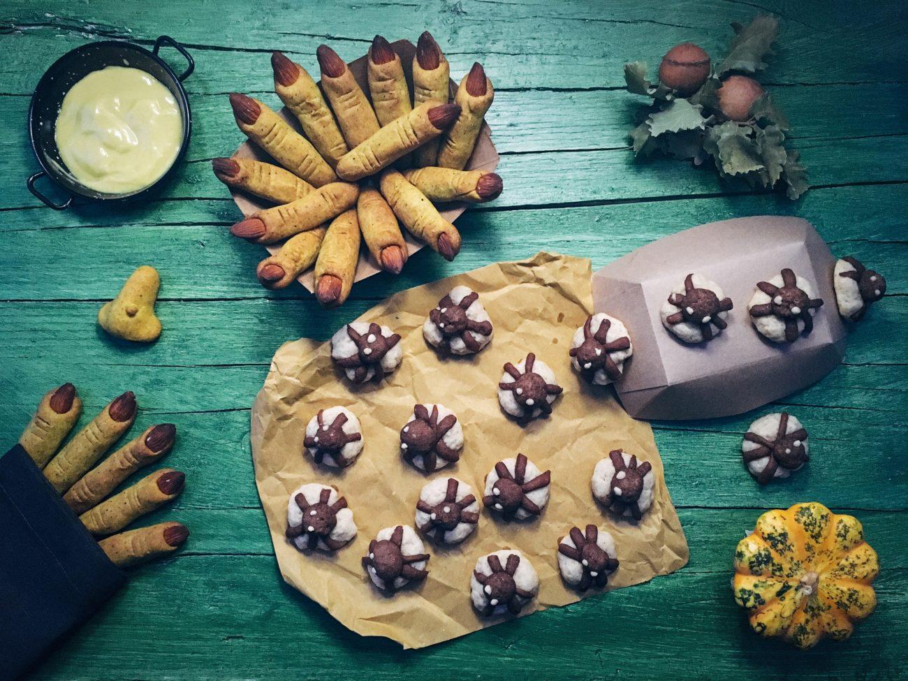 Biscottini ragnosi e dita di strega di Halloween