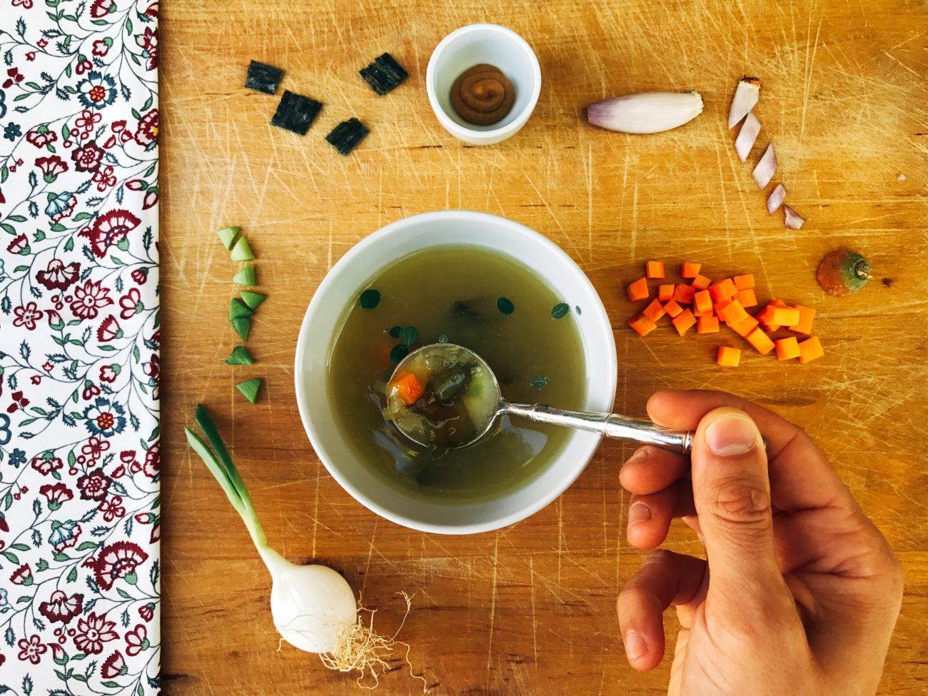 Zuppa di miso d'estate